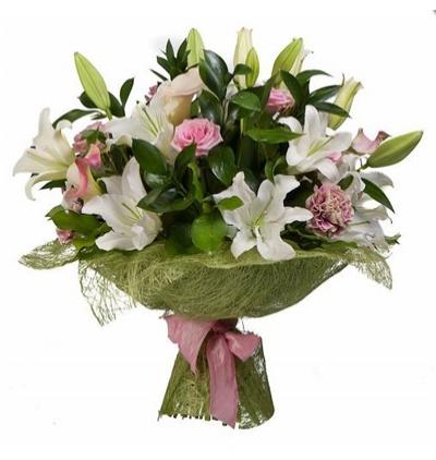 19 kırmızı gül buketi Lilyum ve Mevsim Çiçekleri